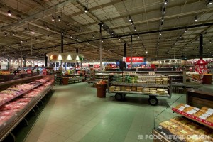 Dekamarkt World of Food – eieren en open plafond (DekaMarkt World of Food)